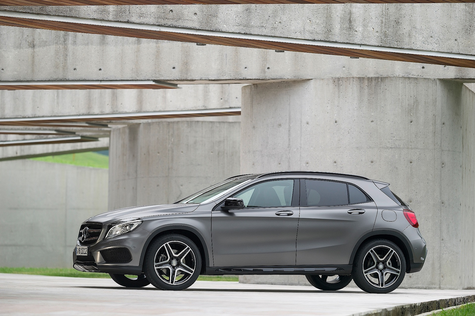 Mercedes Benz GLA250